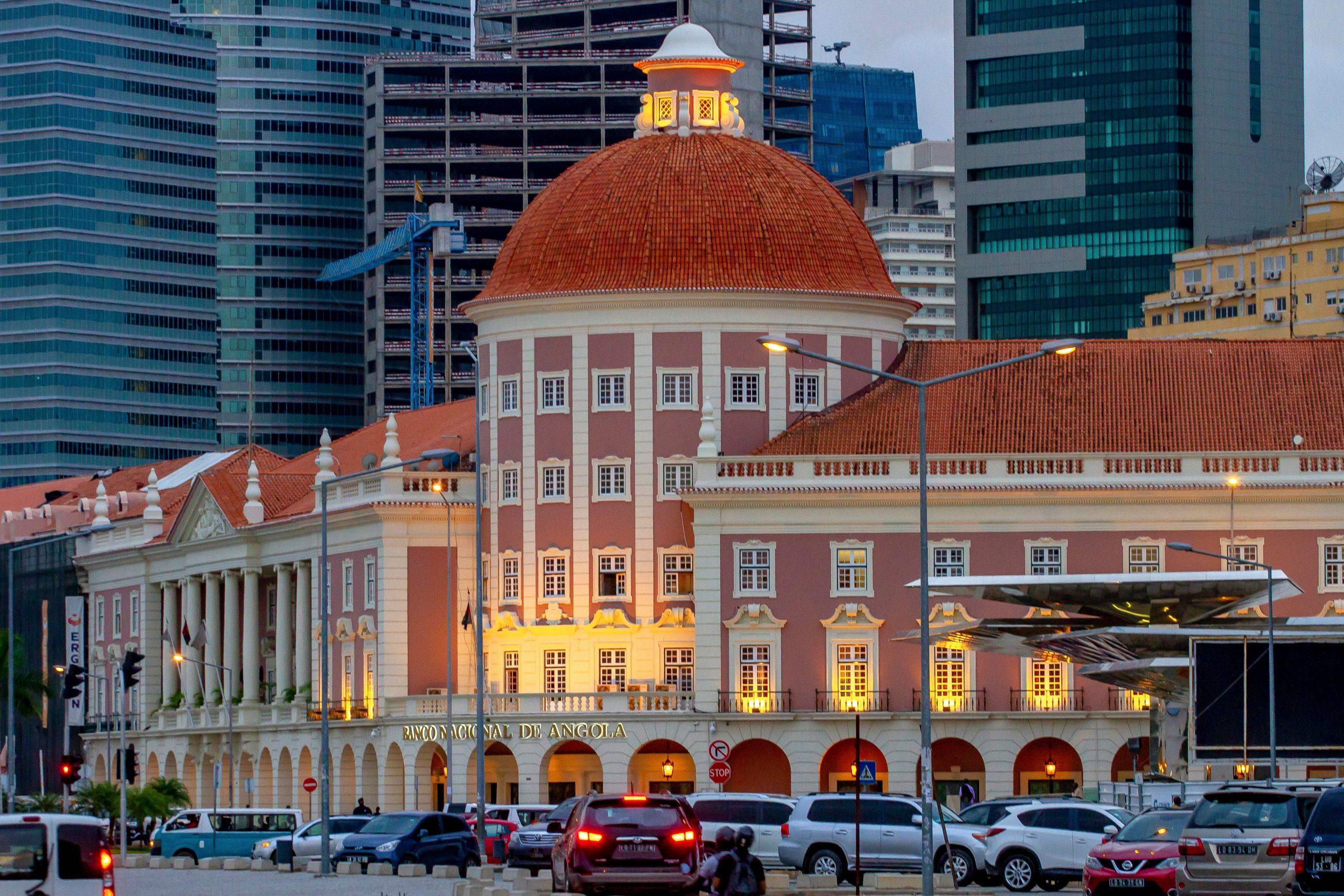 Banco Nacional de Angola revoga licenças de oito instituições financeiras
