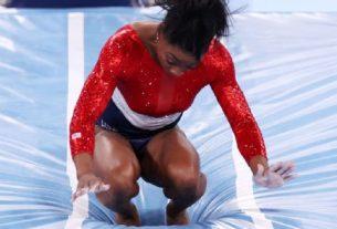 Simon Biles abandona os Jogos Olímpicos de Tóquio por questões médicas