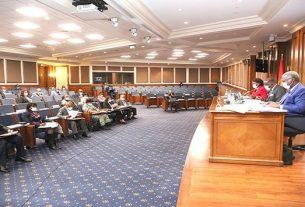 Apuramentos dos resultados eleitorais e voto no exterior divide parlamentares