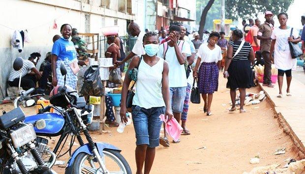 Levantada cerca sanitária de Luanda