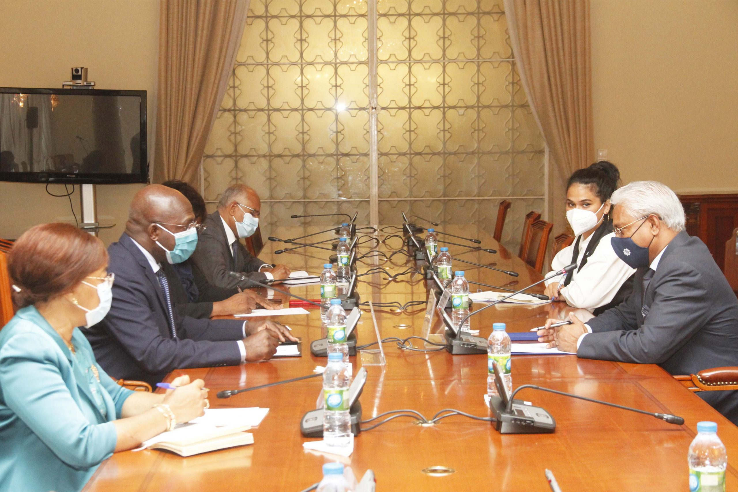 Ministro das Relações Exteriores recebe Secretário Executivo da CPLP