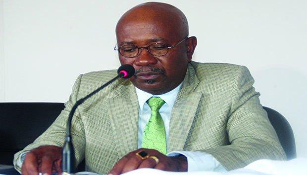 Ex-Governador do Bié admite erro na transferência de dinheiro para contratos públicos