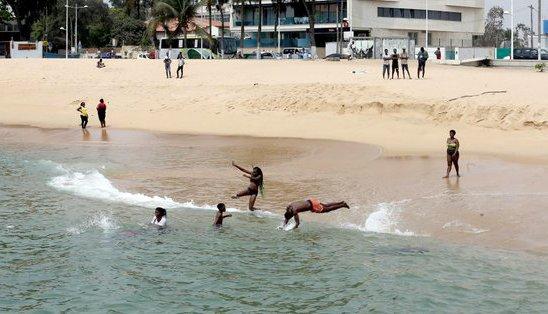 Praias e piscinas podem voltar a fechar