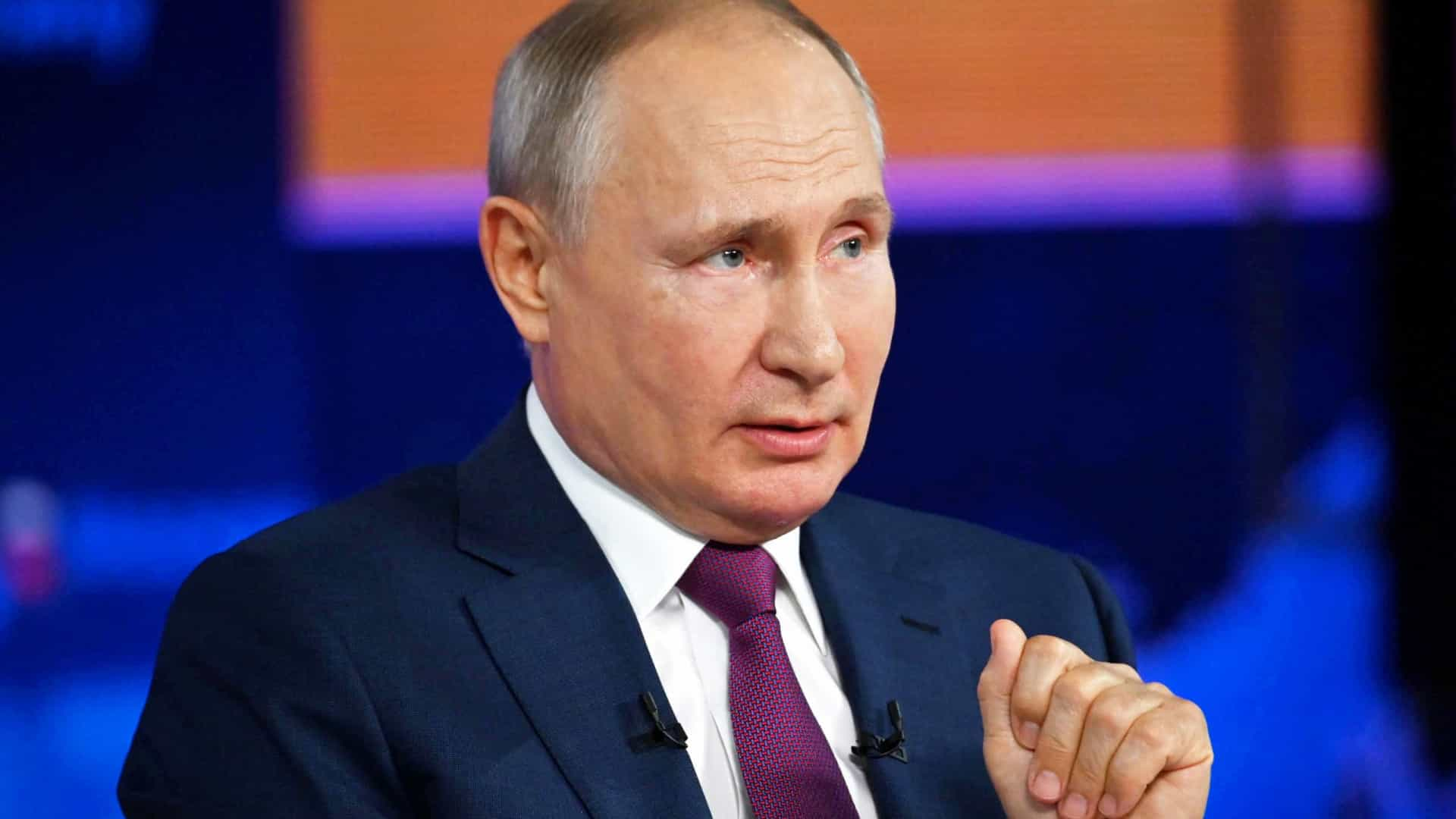 Putin diz que há 2 mil membros do Estado Islâmico no norte do Afeganistão