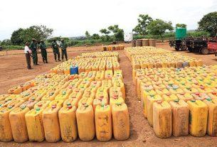 Polícia Nacional trava saída ilegal de combustível para a RDC
