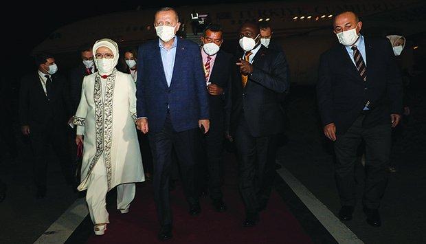 Presidente da Turquia no país para o reforço da cooperação